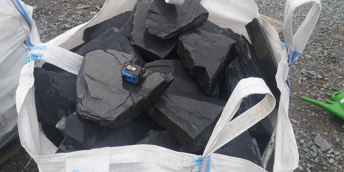 Black slate rockery small