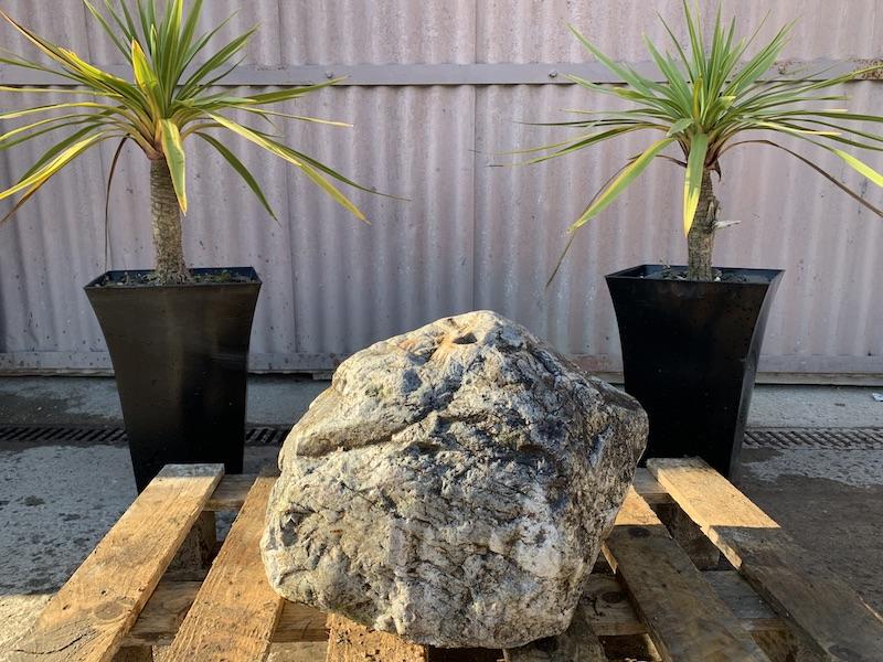 Quartz boulder water feature 4