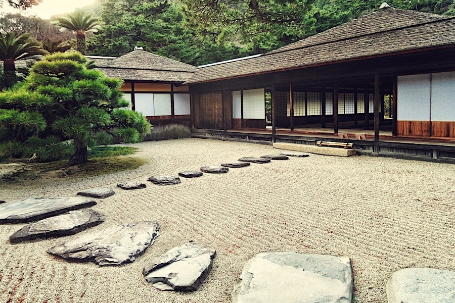 5 Key Features of Japanese Garden Design | Welsh Slate Water Features 03