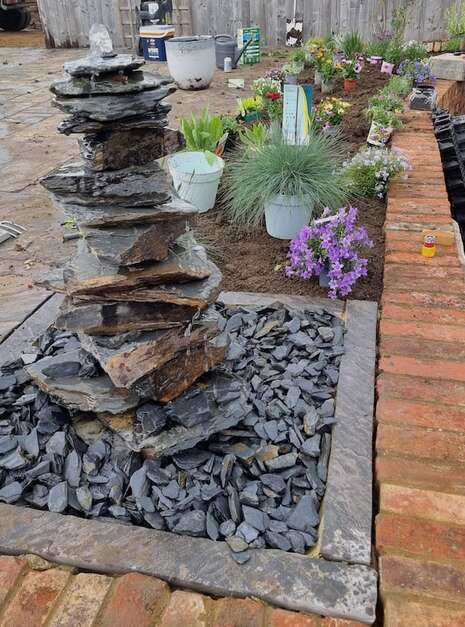 750mm Slate Pyramid Water Feature   Welsh Slate Water Features 01