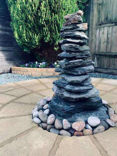 750mm Slate Pyramid Water Feature   Welsh Slate Water Features