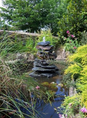 1350mm Slate Pyramid Water Feature