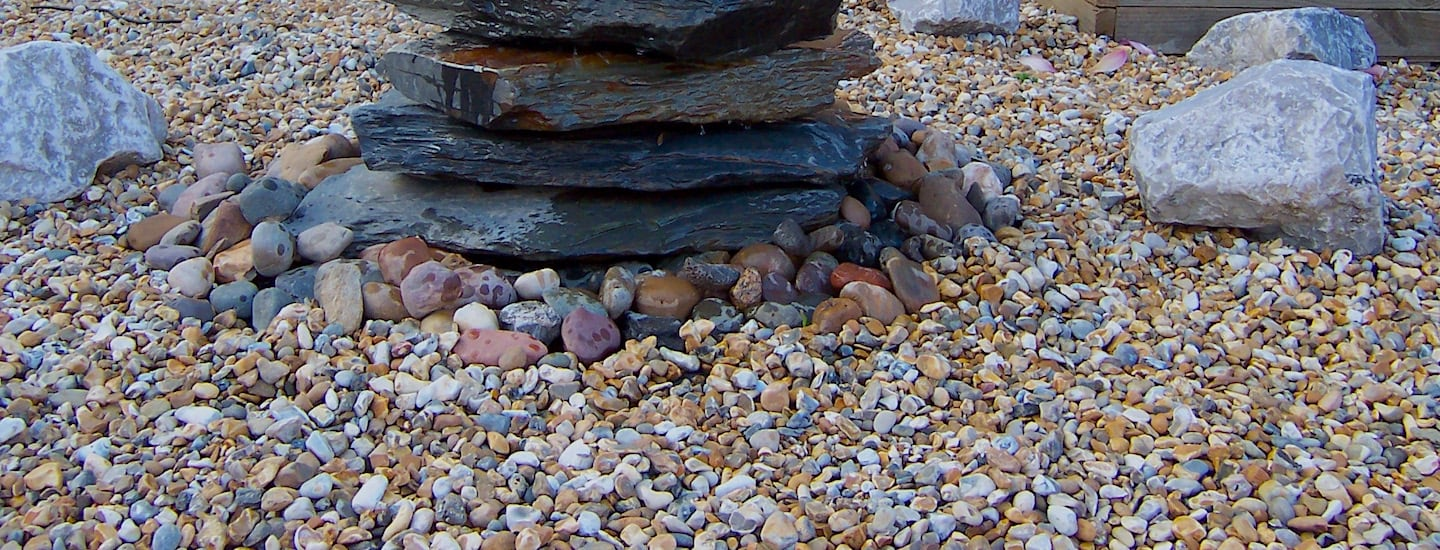 How To Lay Gravel In Your Garden | Welsh Slate Water Features