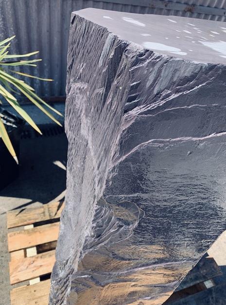 Slate Monolith SM37 5
