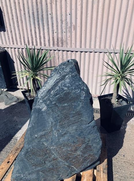 Slate Monolith SM86 3