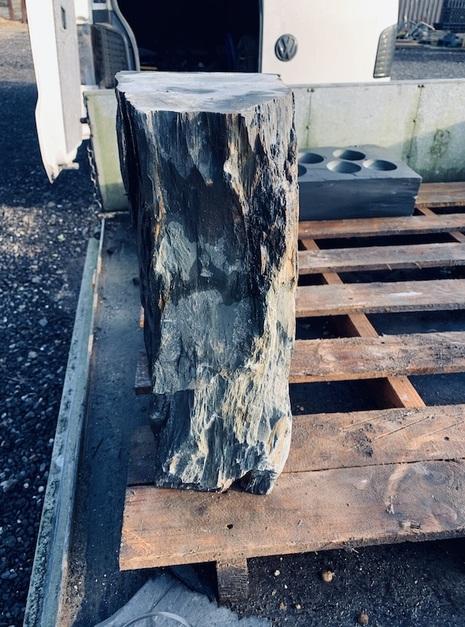 Slate Monolith SM97 1