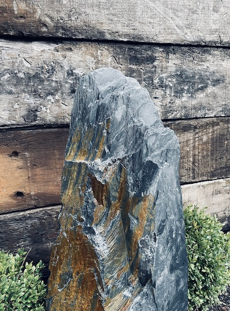 Slate Monolith SM102 1
