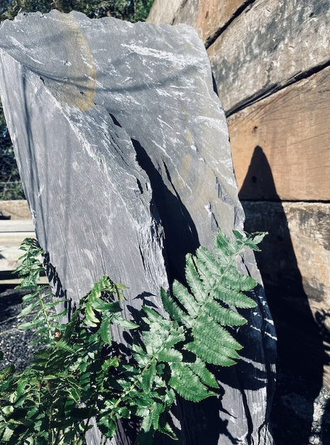 Slate Monolith SM111 4