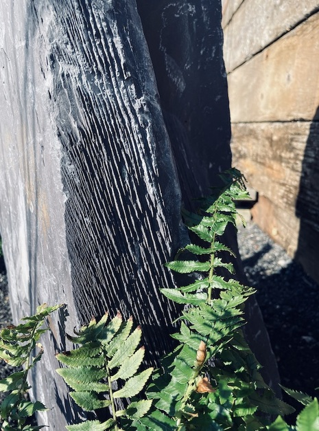 Slate Monolith SM112 7
