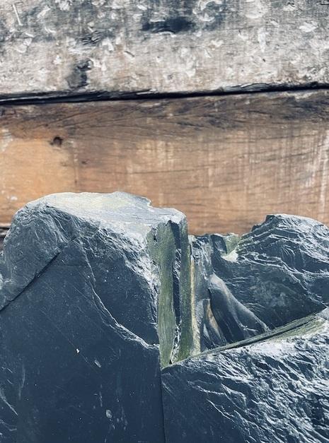 Slate Monolith SM99 5