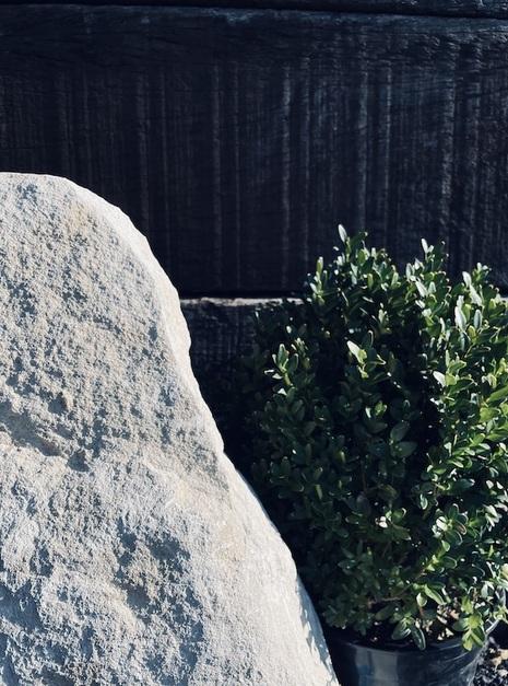 Stone Monolith SM115 2