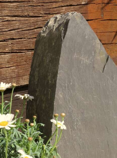 Slate Monolith SM136 05   Welsh Slate Water Features