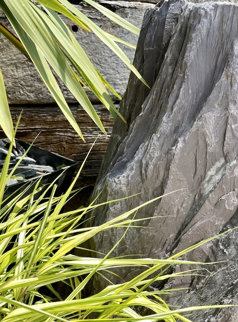 Slate Monolith SM162 Water Feature   Welsh Slate Water Features 03