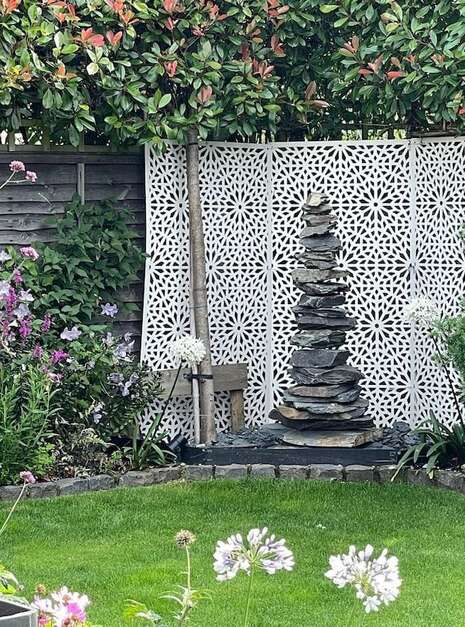 1.5m Slate Pyramid Case Study 06   Welsh Slate Water Features